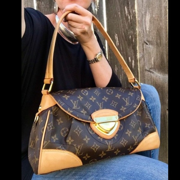 Louis Vuitton Handbags - Louis Vuitton Beverly MM Monogram Shoulder Bag